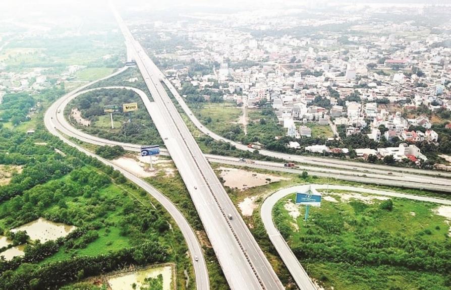 Dự án cao tốc Bắc - Nam:  Chuyển hướng đầu tư công?
