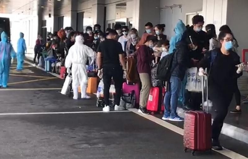 Cách ly 247 khách nước ngoài nhập cảnh qua sân bay Vân Đồn