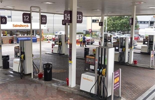 Giá dầu có thể lên tới 100 USD một thùng trong nửa đầu năm 2022