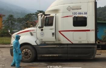 Đẩy nhanh thông quan, đảm bảo phòng dịch tuyến biên giới giáp Lào và Campuchia