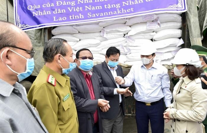 Xuất cấp 1.000 tấn gạo dự trữ tặng Lào hỗ trợ dân tỉnh Savanakhet khắc phục hậu quả thiên tai